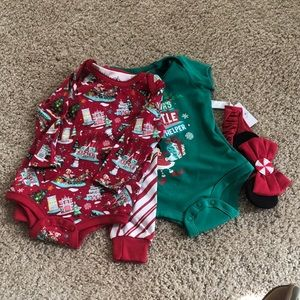 Disney holiday baby body suit set 6 month